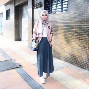 Hijabers Jaket Bomber + Pleated Skirt